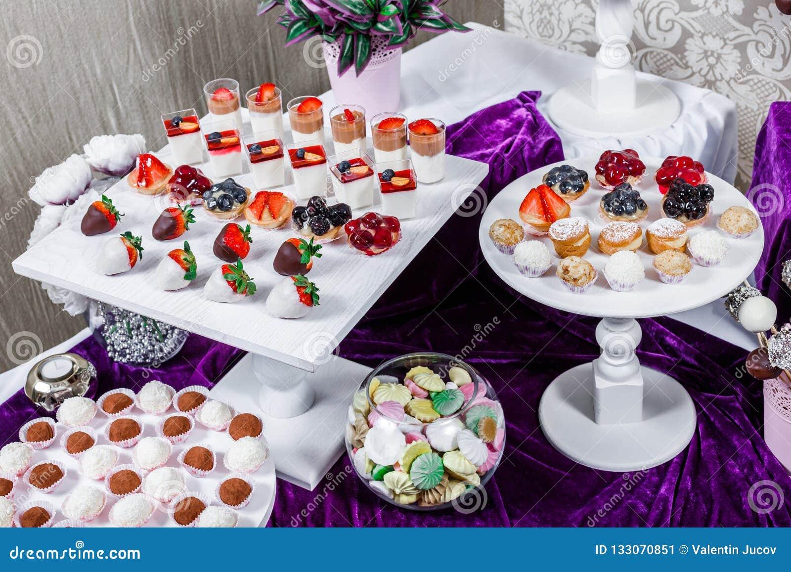 Godisstång Tabell för bröllopmottagande med sötsaker, godisar, efterrätt