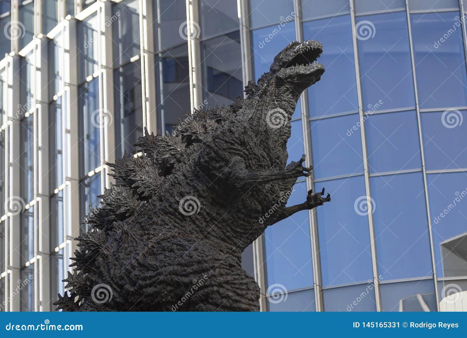 Godzilla statue in Hibiya