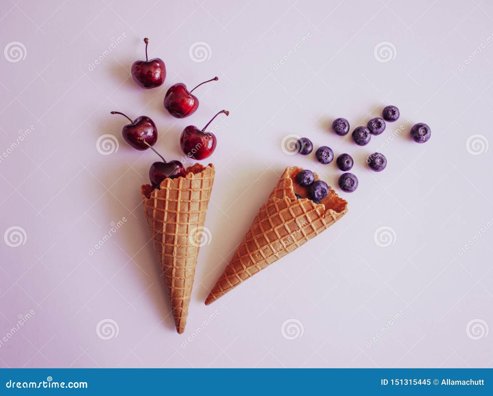 Gofr owoc i rożki