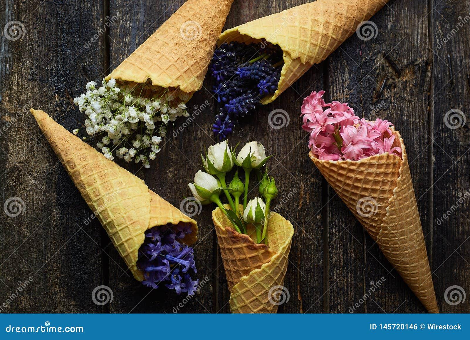 Gofry dla lody z kwiatami