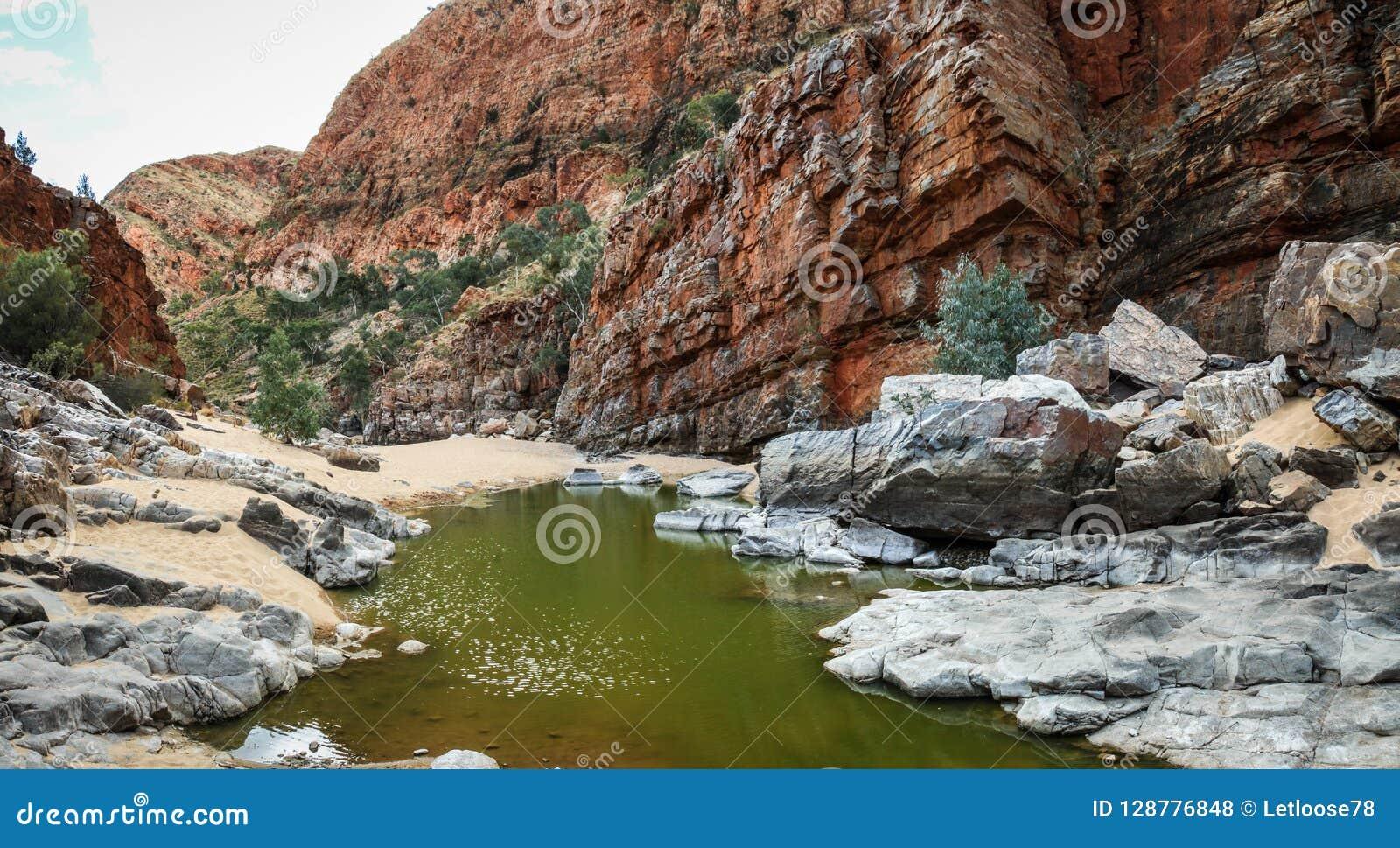 Gola nella gamma ad ovest di MacDonnell, Territorio del Nord, Australia di Ormiston,