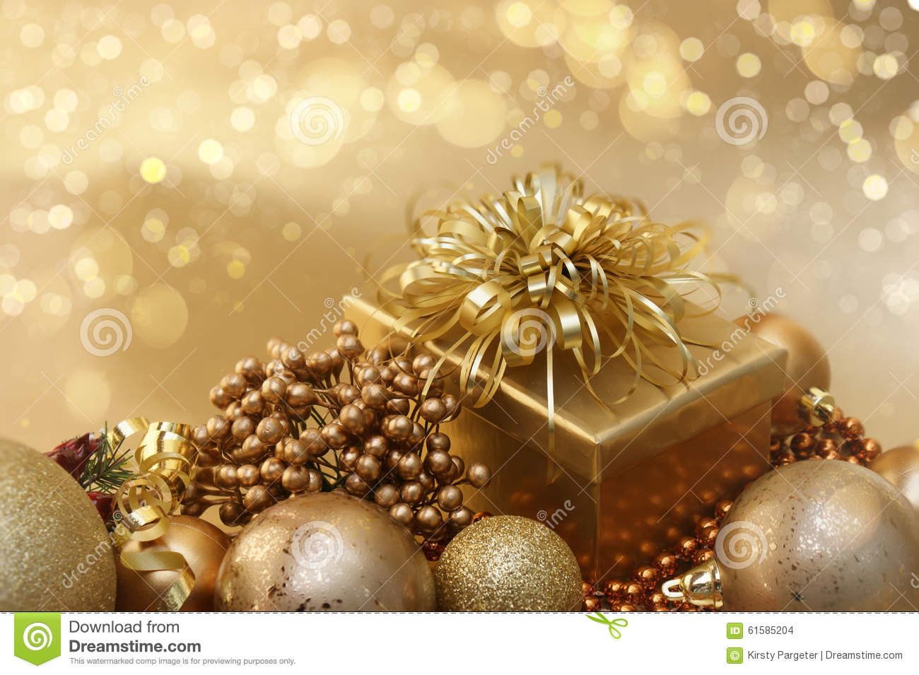 gold christmas decorations background - Gold Christmas Decorations