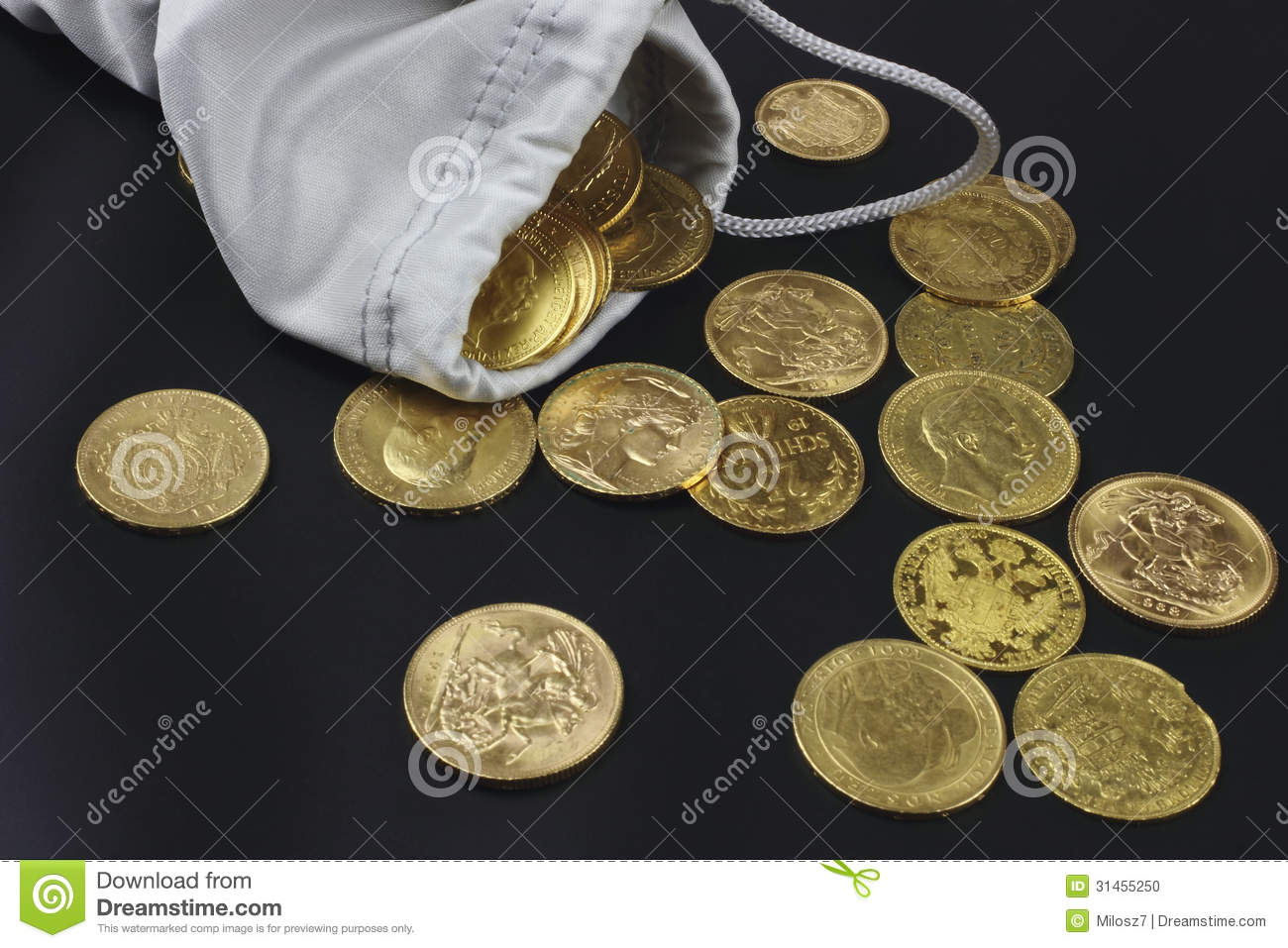 gold coins black background - photo #23