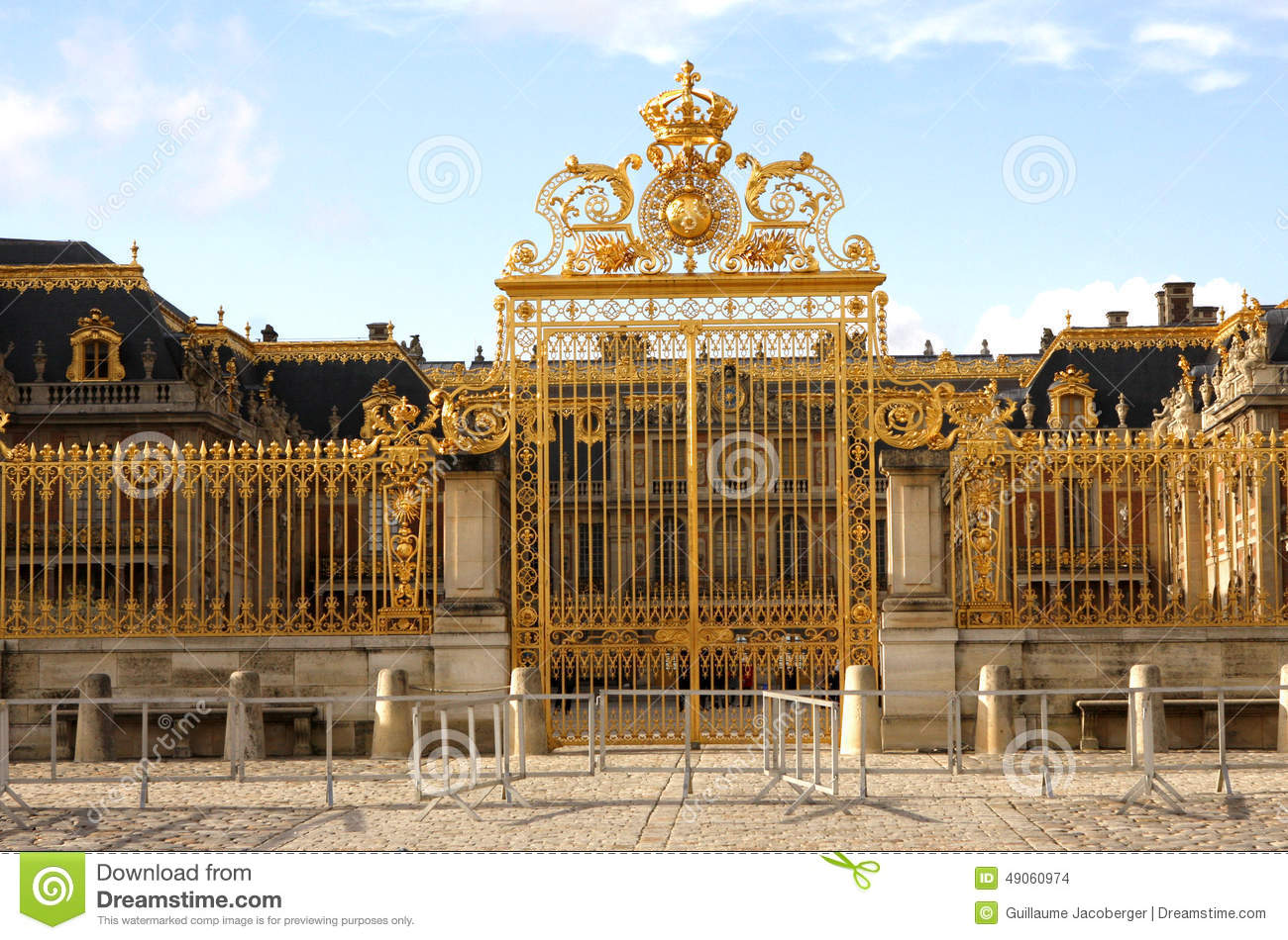 louis xiv of france and palace King louis xiv of french, the sun king, is known for its exorbitant court and spectacular events at his palace of versailles he was the first of the bourbon kings living at versailles.