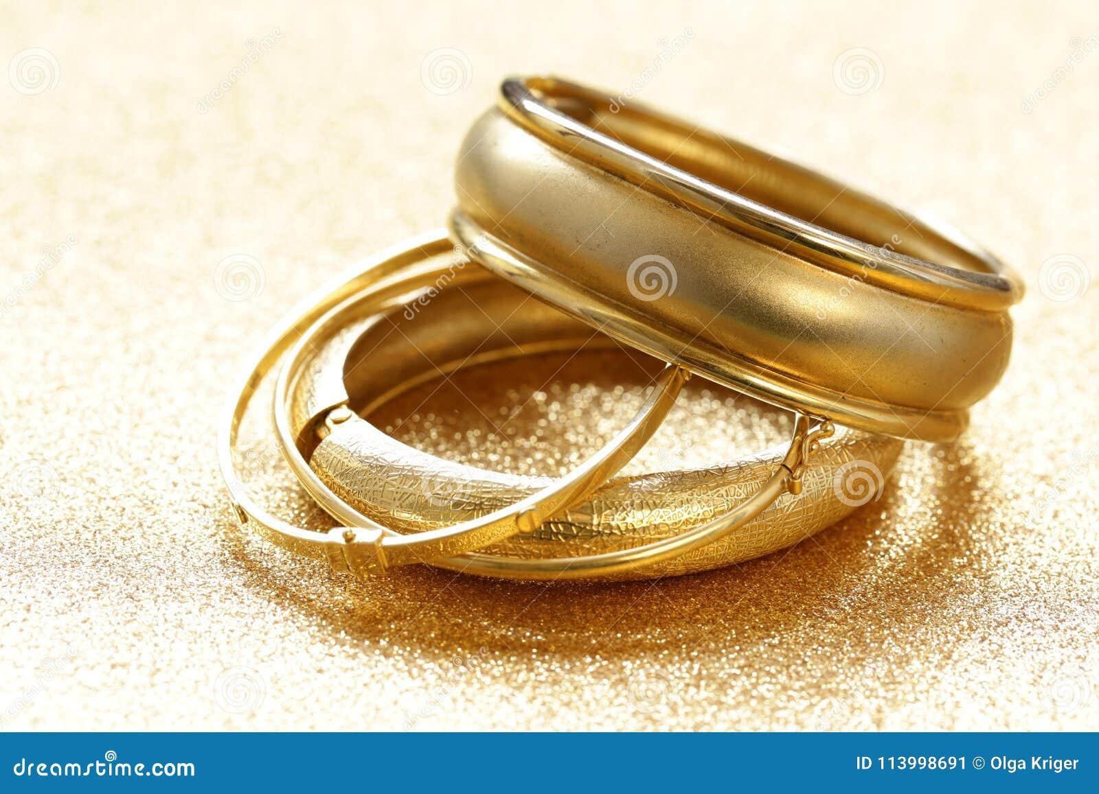 Gold jewelry bracelets