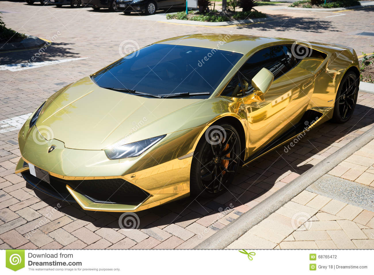 gold lamborghini huracan 2016 editorial photography image of models spyder 68765472. Black Bedroom Furniture Sets. Home Design Ideas