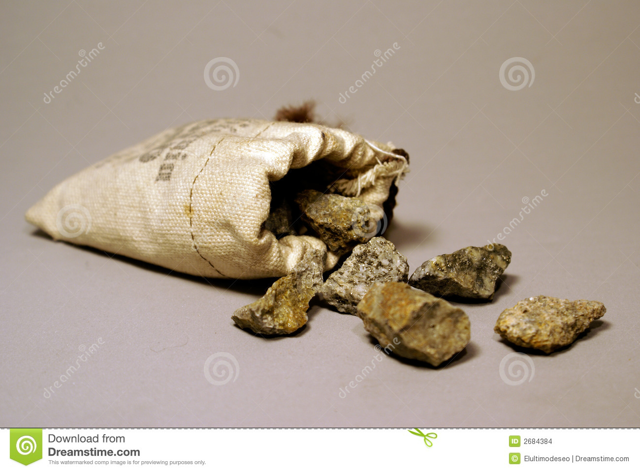Pile Raw Gold Nuggets Isolated Stock Photo More – Desenhos Para Colorir