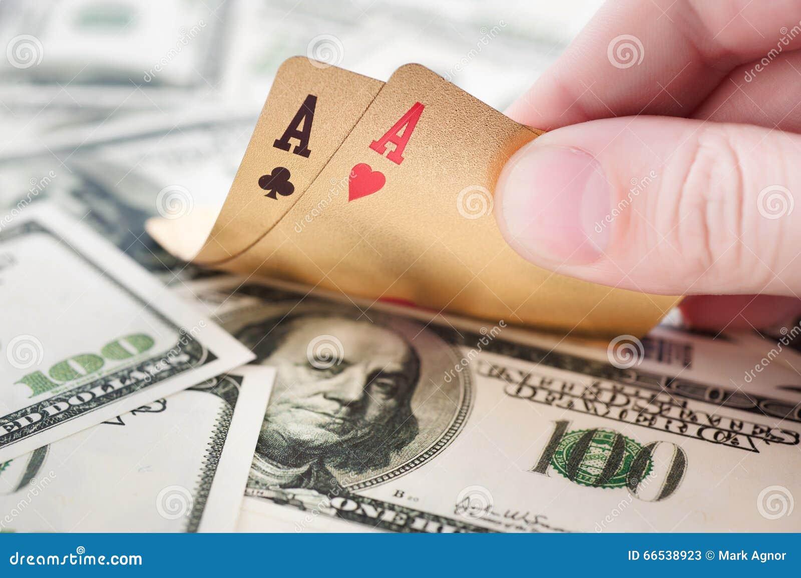Играть в покер на научиться деньги как