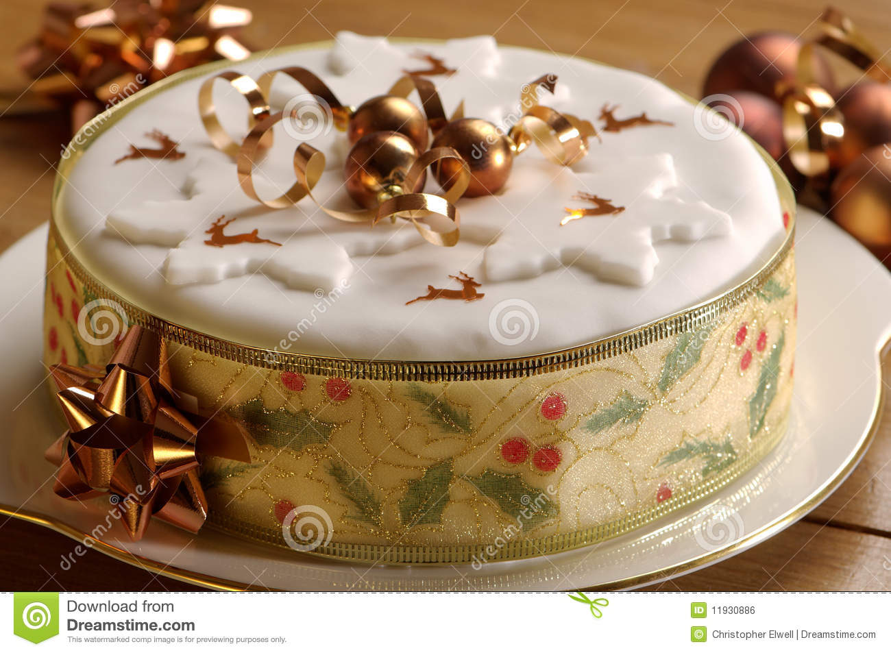 Gold Theme Christmas Cake Stock Photo Image Of Confetti