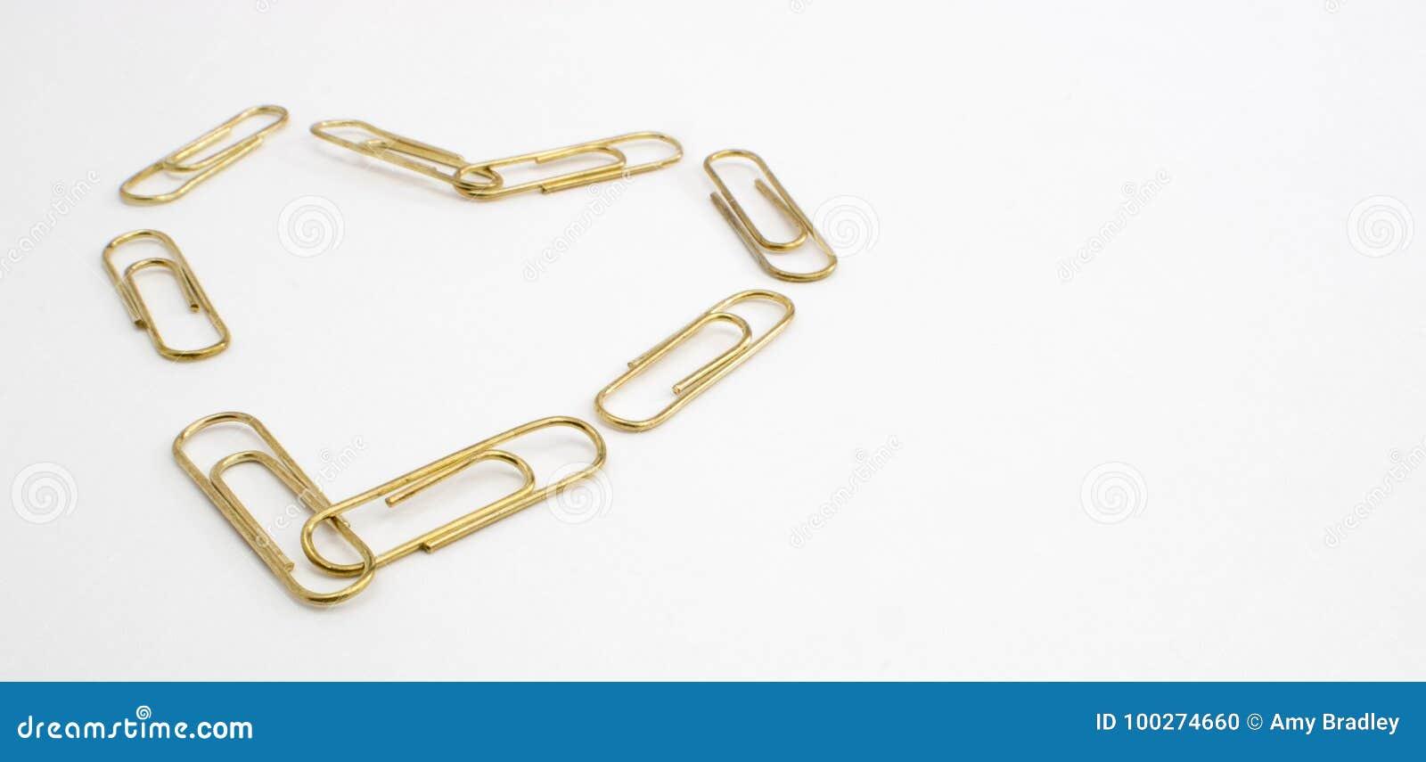 Goldburoklammer Herz Stockfoto Bild Von Gelb Metall 100274660