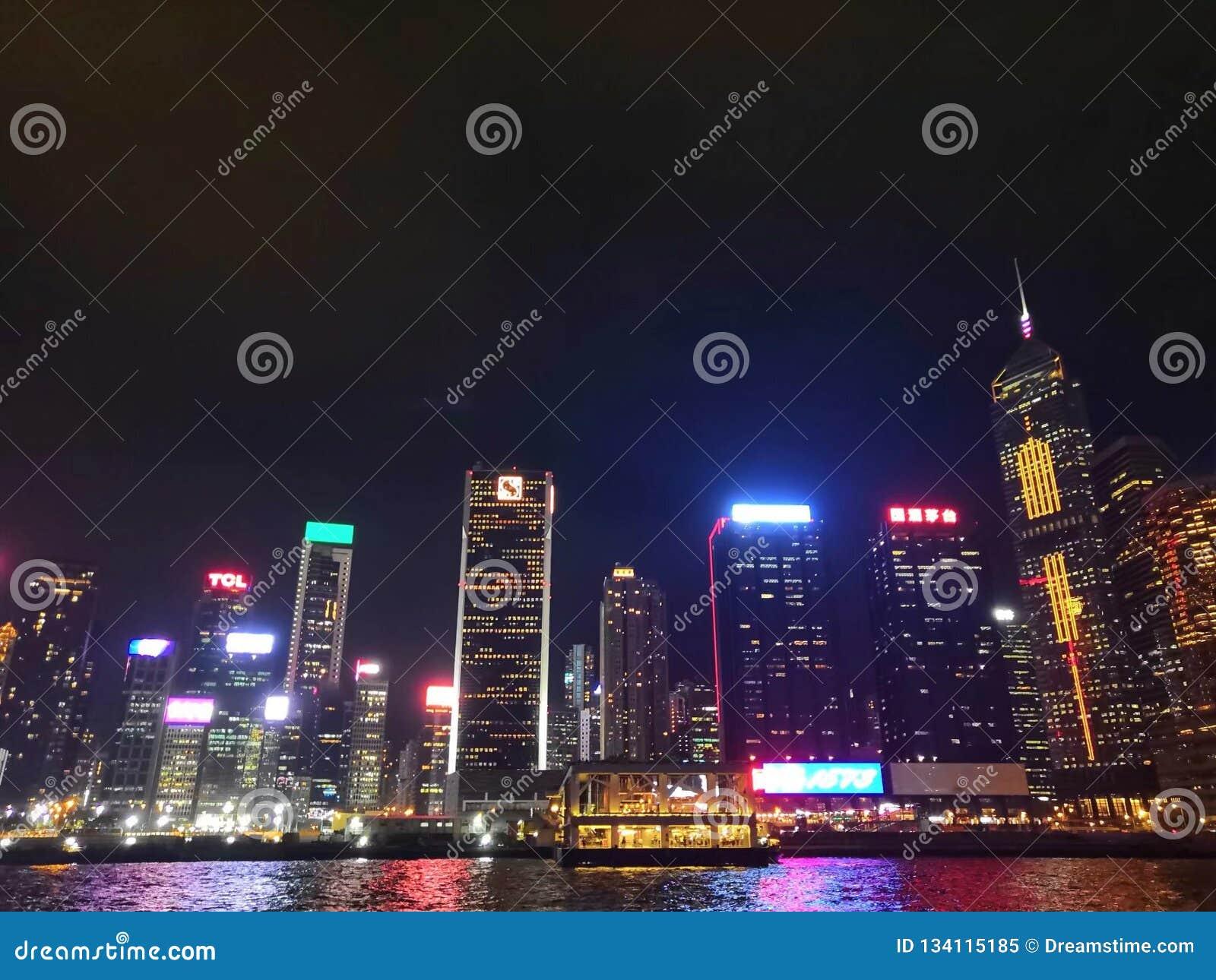 香港-维多利亚港夜景 -无与伦比的魅力 Hong Kong - Victoria Harbour Nightscape - Unmatched Charm