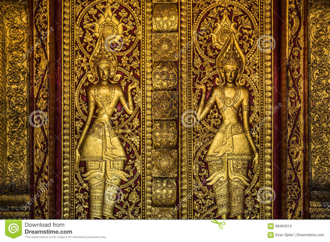 Golden Buddhist door sculpture & Golden Buddhist Door Sculpture Stock Photo - Image of sculpture ...