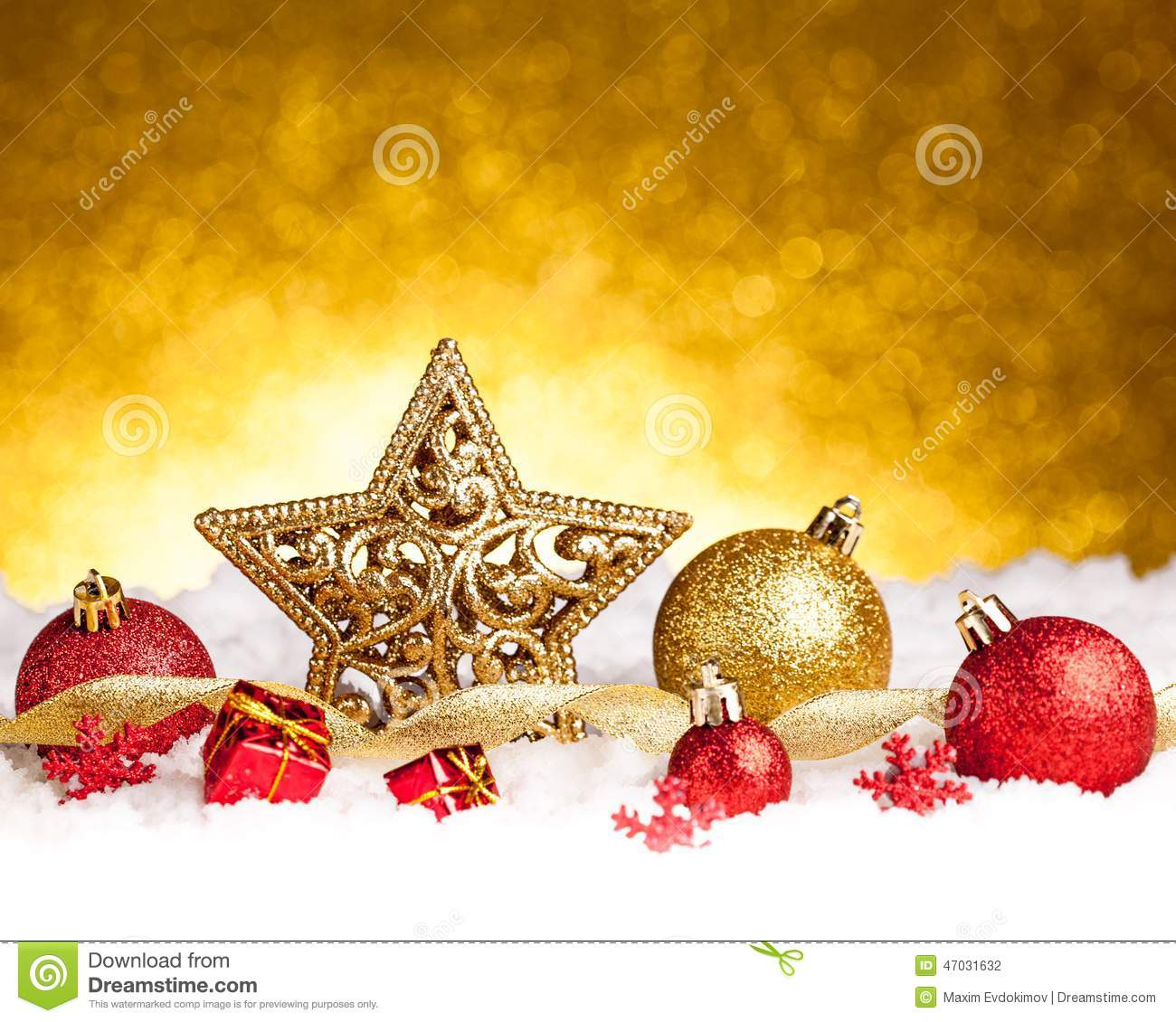 Gold and red ornaments - Golden Christmas Fir Star Decoration With Gold And Red Ornaments