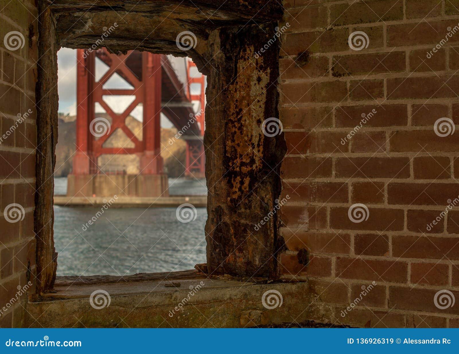 Golden Gate od fortu punktu