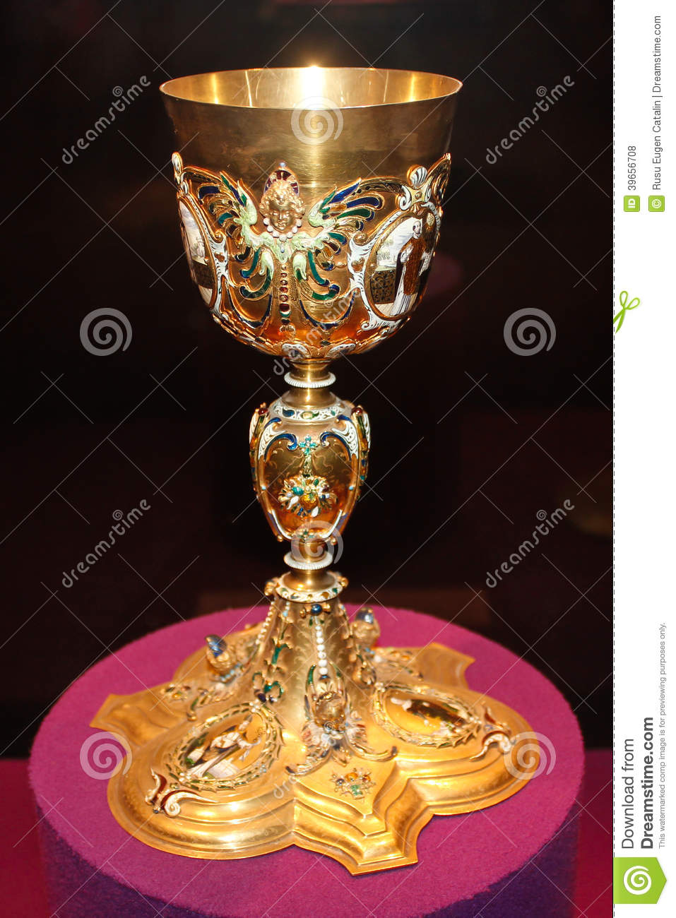 Golden Goblet Stock Illustration - Image: 39656708