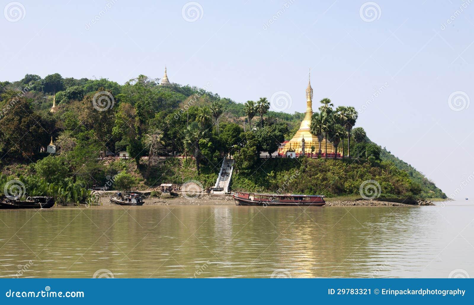 Mawlamyine Myanmar  city photo : ... pagoda on the edge of Ogre Island near Mawlamyine in southern Myanmar