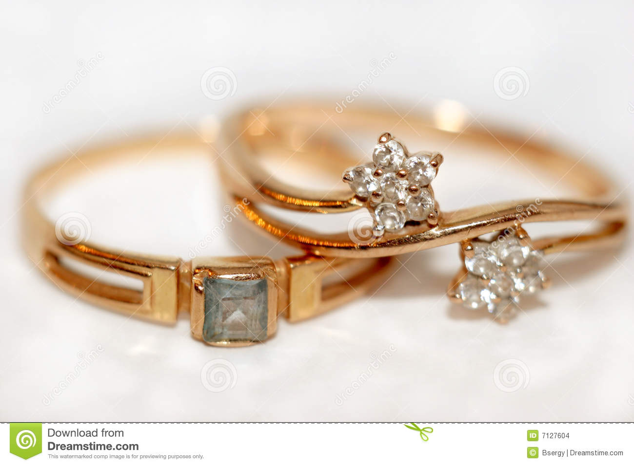 Golden Rings On The Sheet Music Stock Image - Image: 33002039