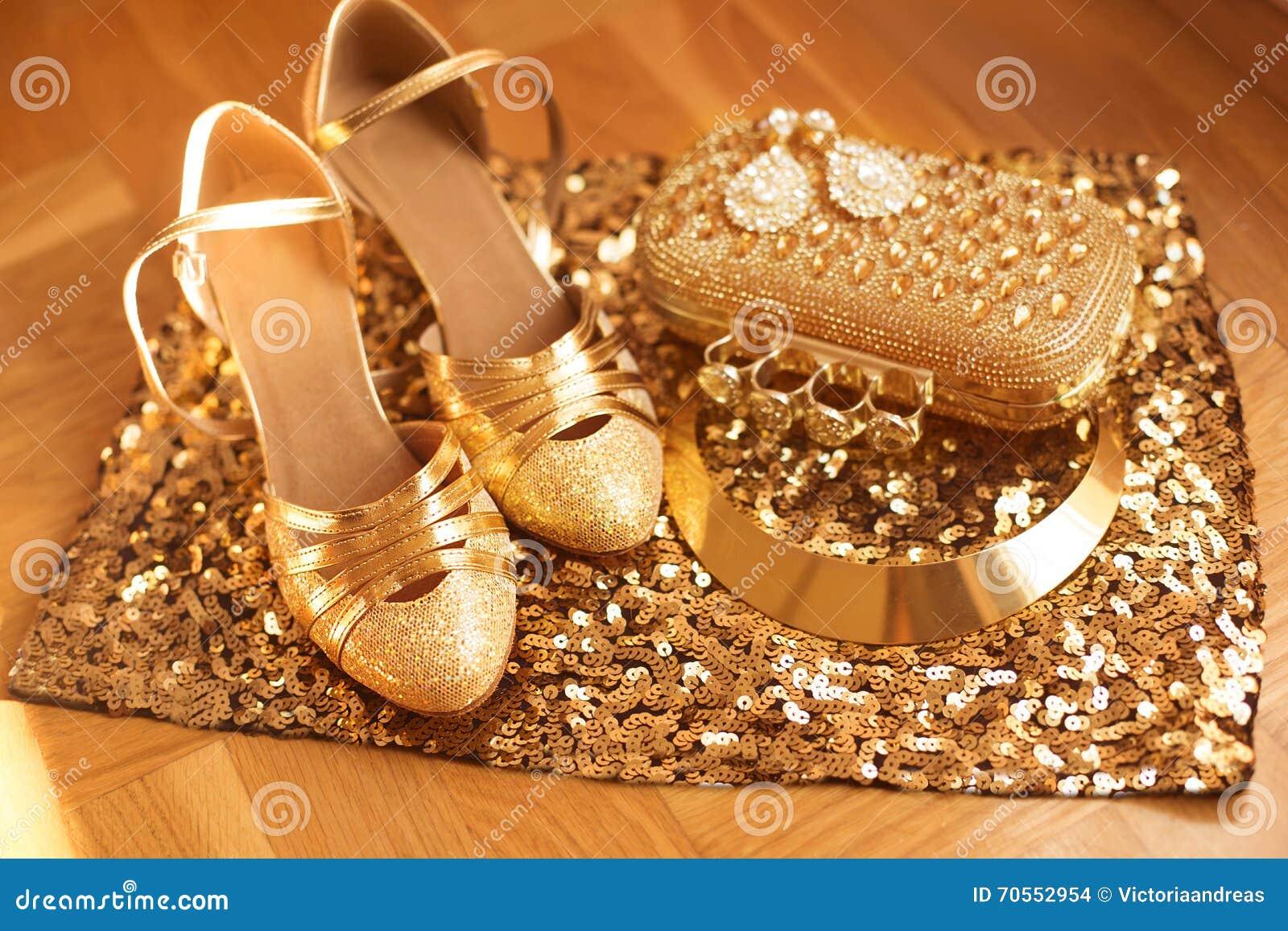 a4d5376943 Golden Ropa Para Mujer Y Accesorios Zapatos Moda De Lujo Foto de ...