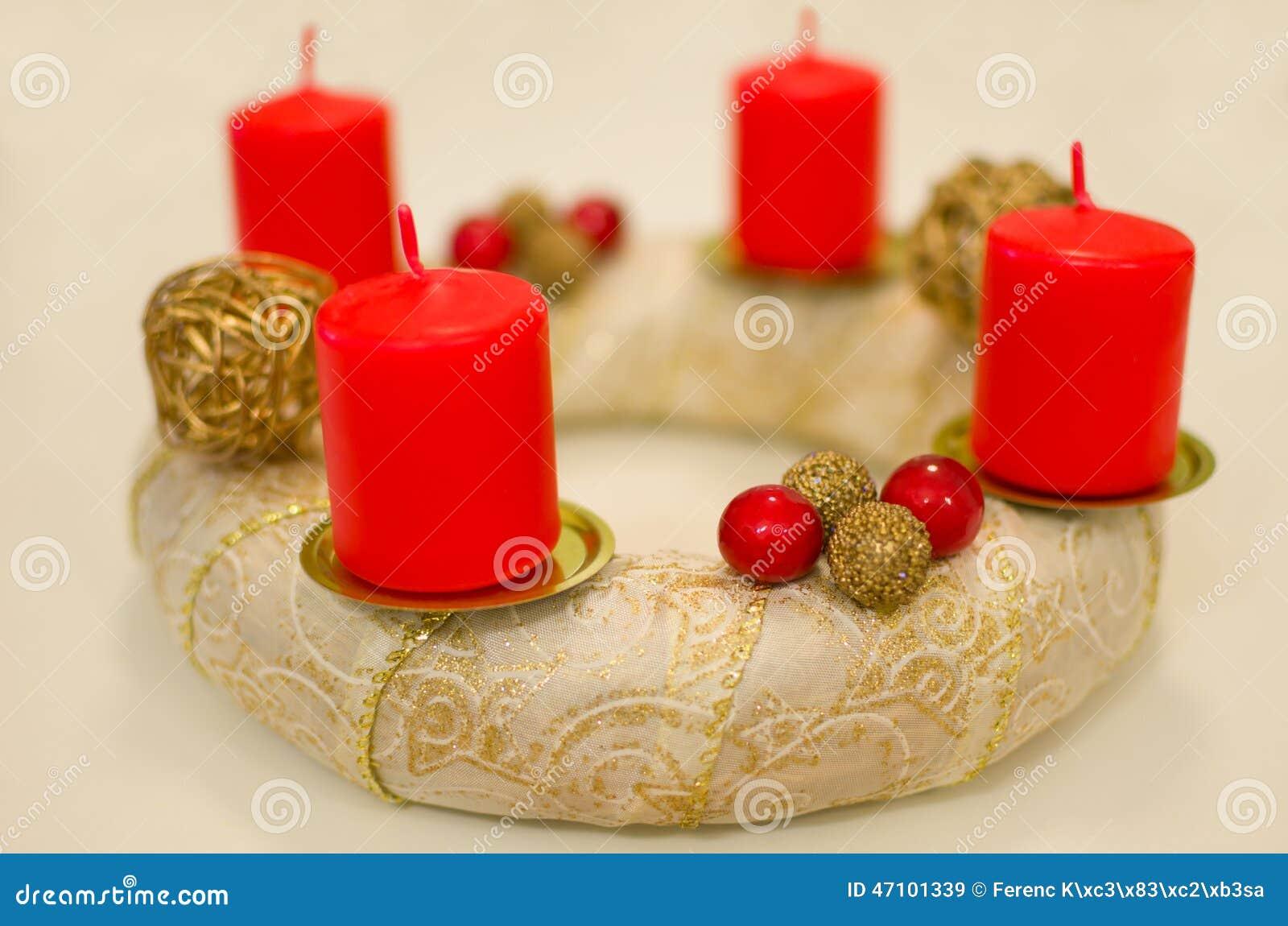 Goldenes Advent Wreath