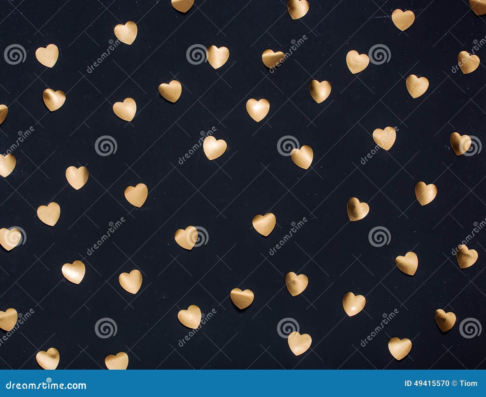 Download Goldherzaufkleber Auf Dunklem Strukturiertem Hintergrund Stock Abbildung - Illustration von papier, hintergrund: 49415570