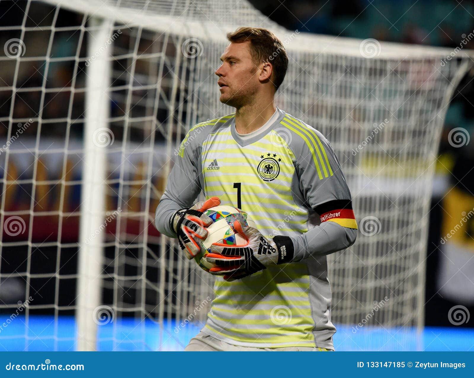 Goleiros Manuel Neuer da equipe nacional de Bayern Munich e de Alemanha