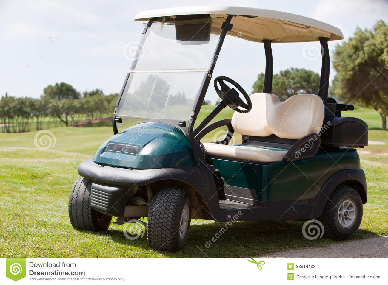Golf cart parked on a fairway stock photo image 38914183 for Narrow golf cart