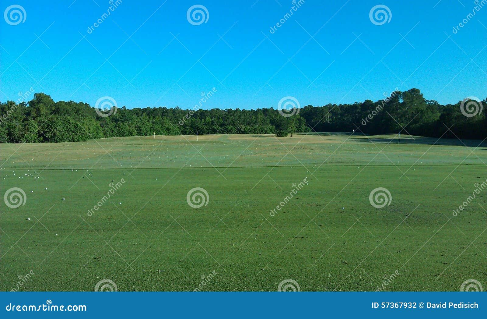 Golf-Driving-Range-Ansicht