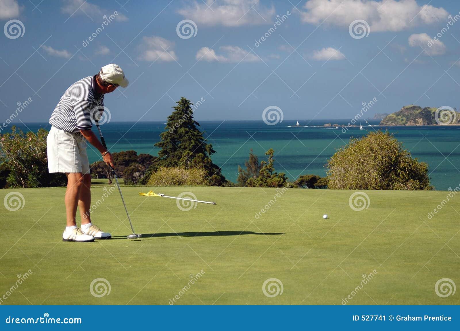 Golf - poniendo