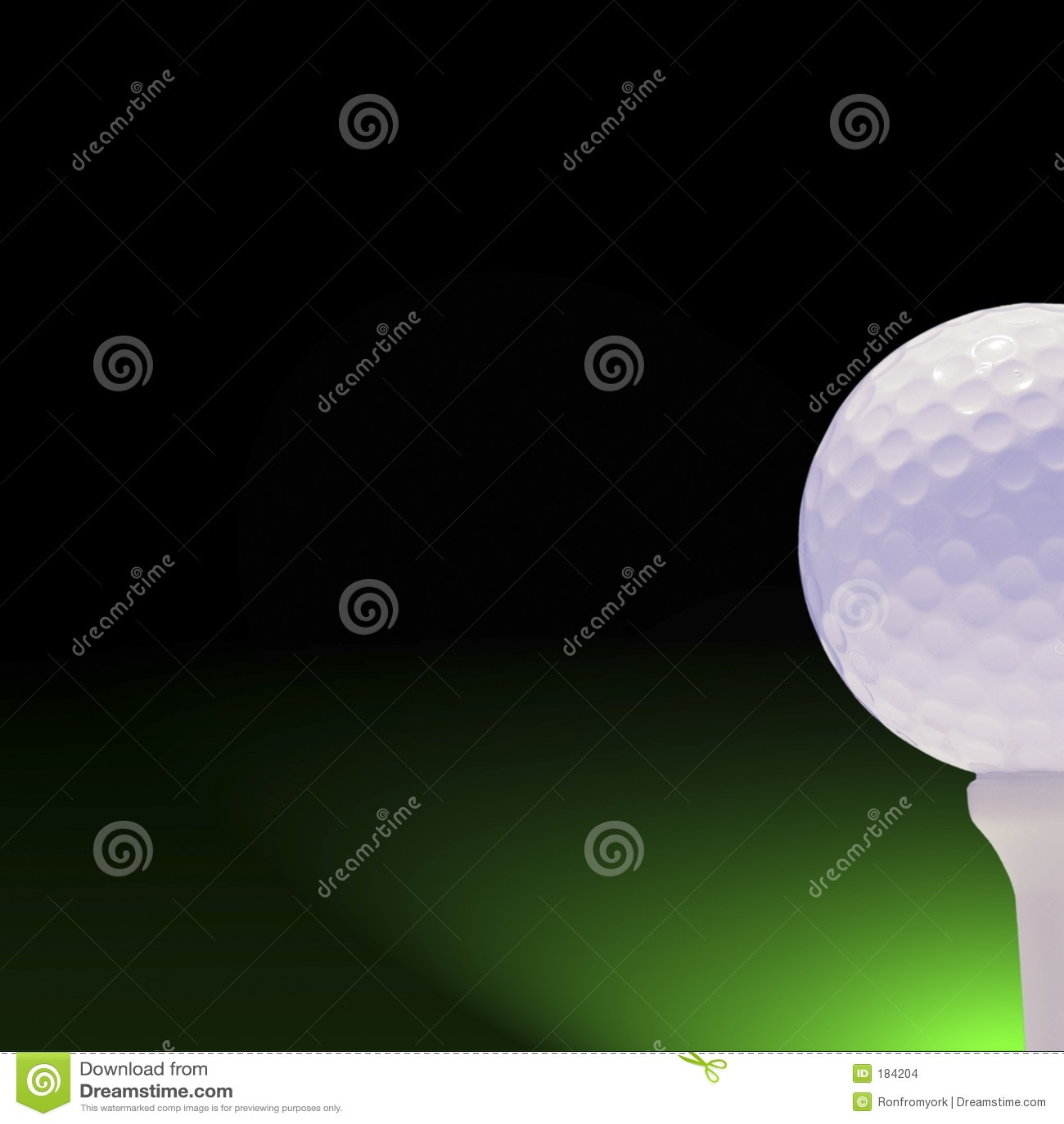 Golfball su verde e sul nero