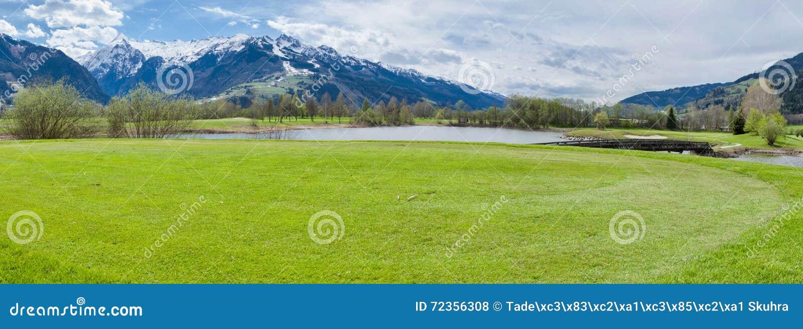 Golfplatz in den Bergen