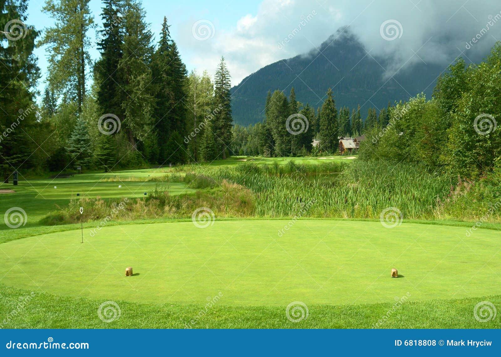 Golfplatz-T-Stück weg vom Kasten