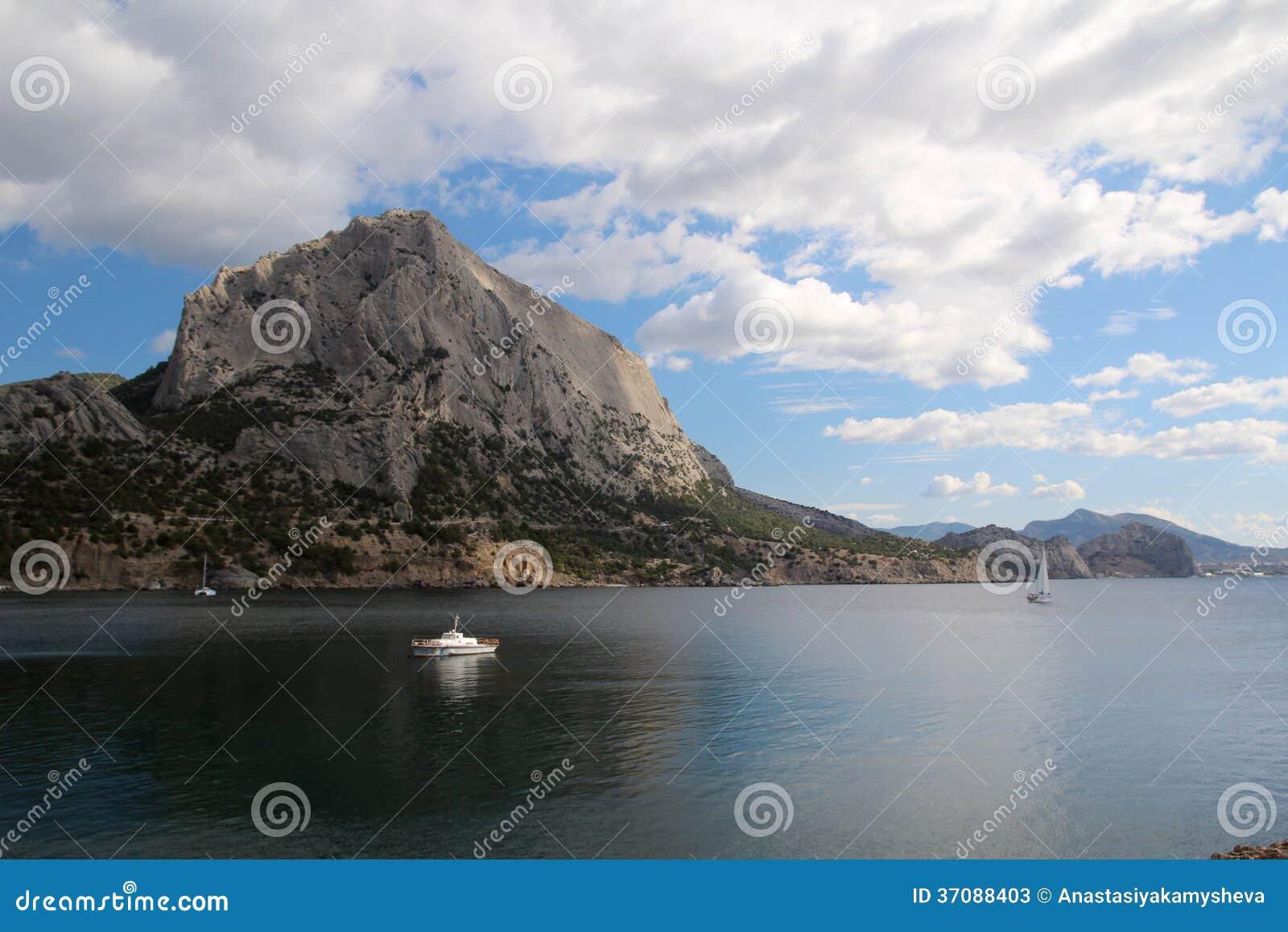Download Golithsyn ścieżka I Halny Sokol, Crimea Obraz Stock - Obraz złożonej z zatoka, widok: 37088403