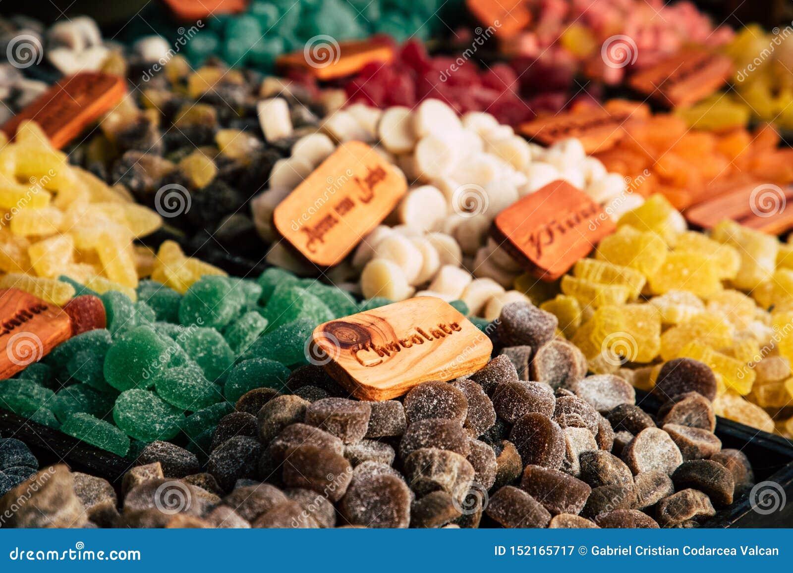 Gommes de bonbons à sucre et dragées à la gelée de sucre colorées sur le marché