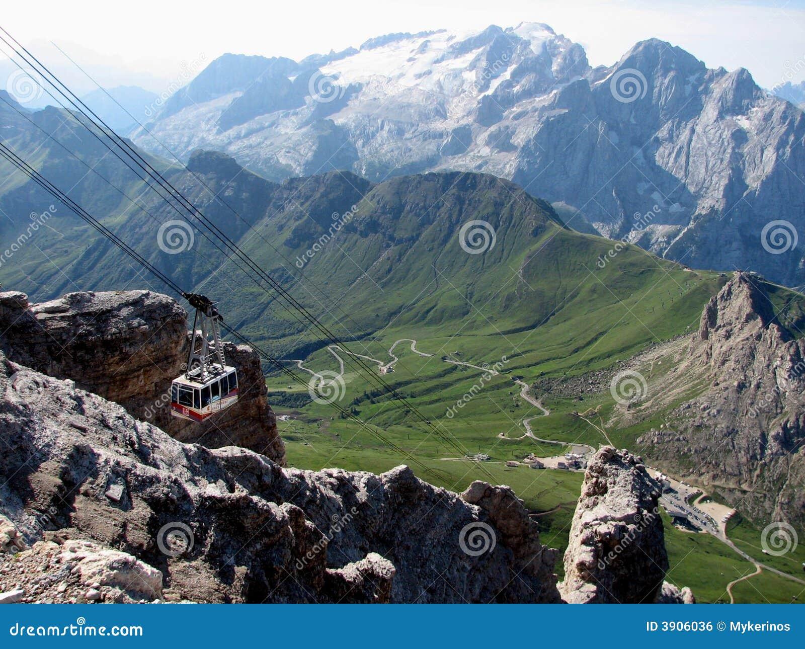 Gondel, die oben der Berg geht