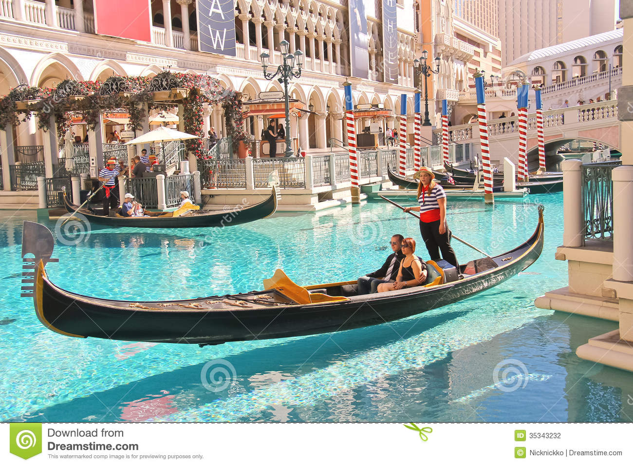 las vegas casino with gondola