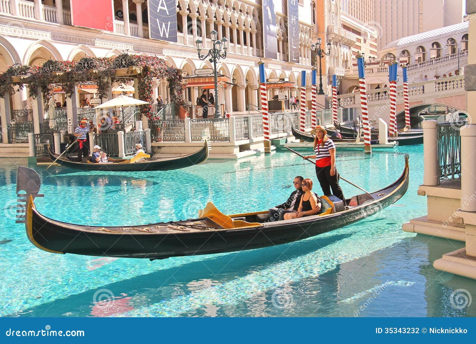 LAS VEGAS, NEVADA, USA - OCTOBER 20 : Gondola rides in Venetian Hotel ...
