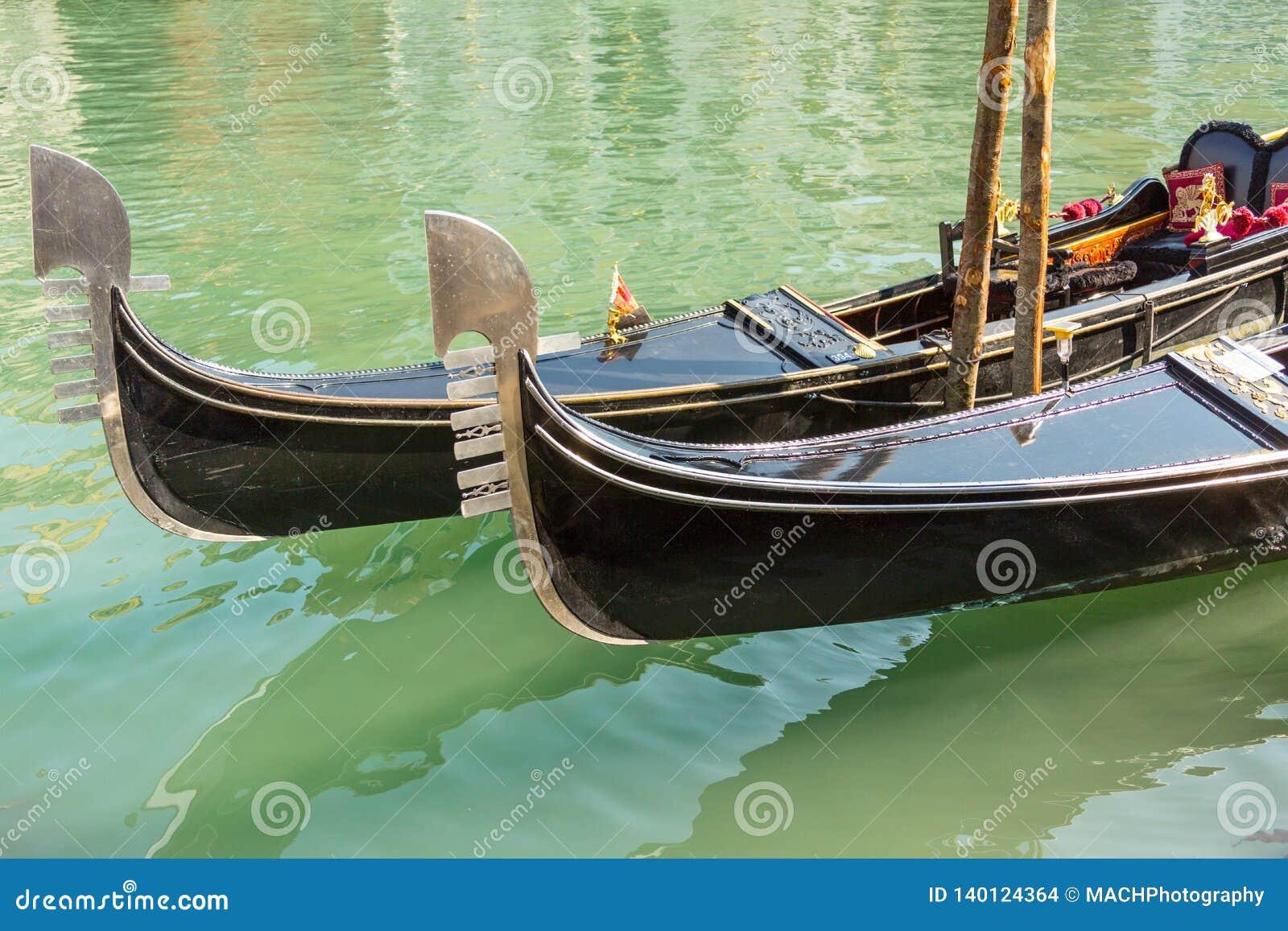Gondole e canale