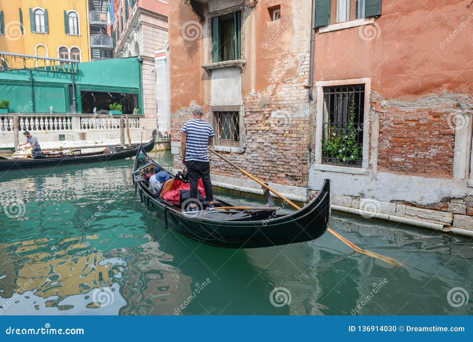 Gondolier em Veneza