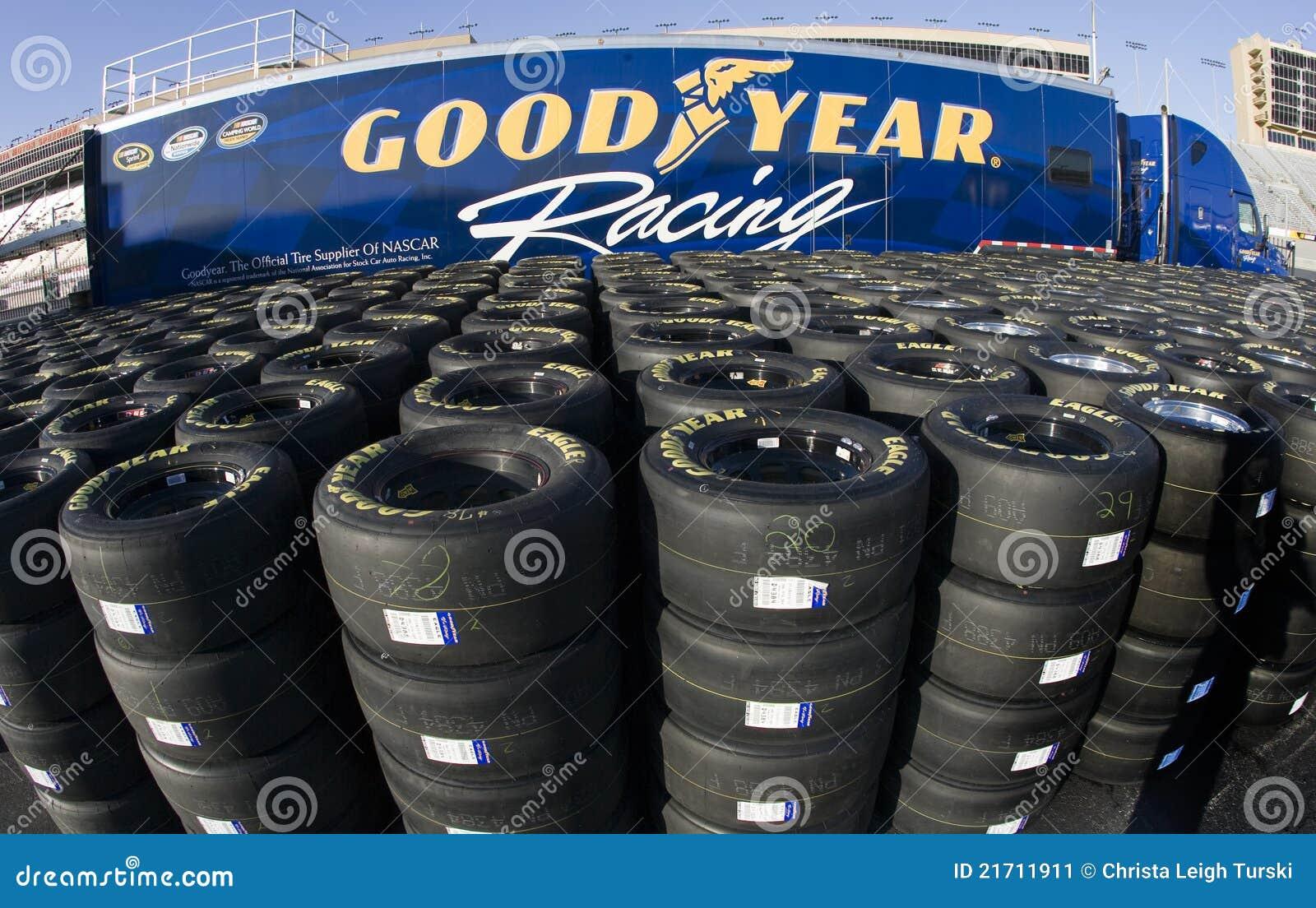 Goodyear tävlings- gummihjul