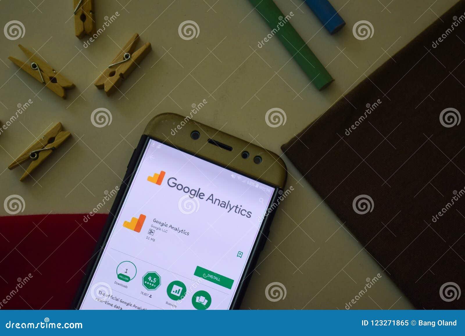 Google analityka App na Smartphone ekranie