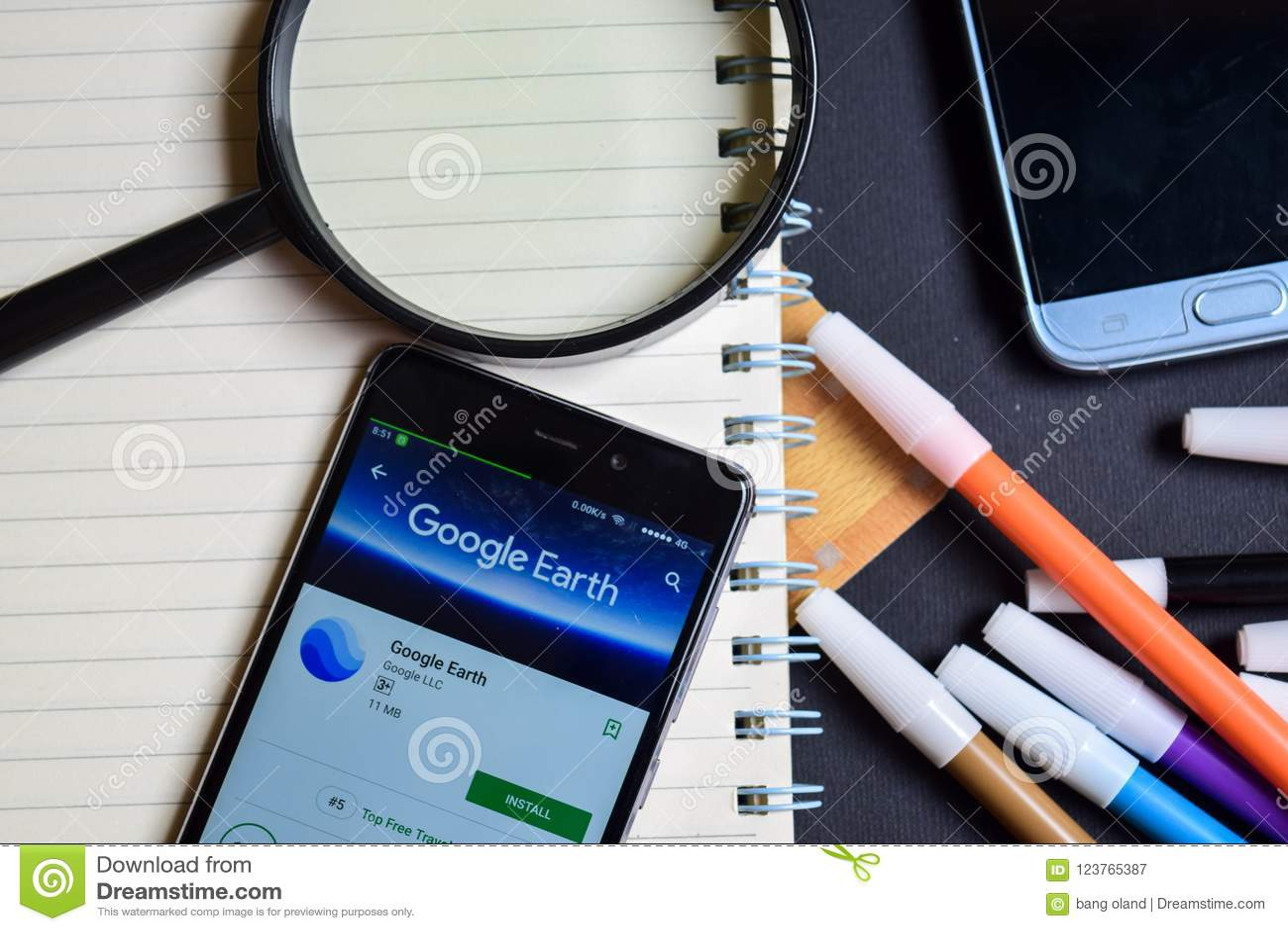 Google Earth APP sur l écran de Smartphone