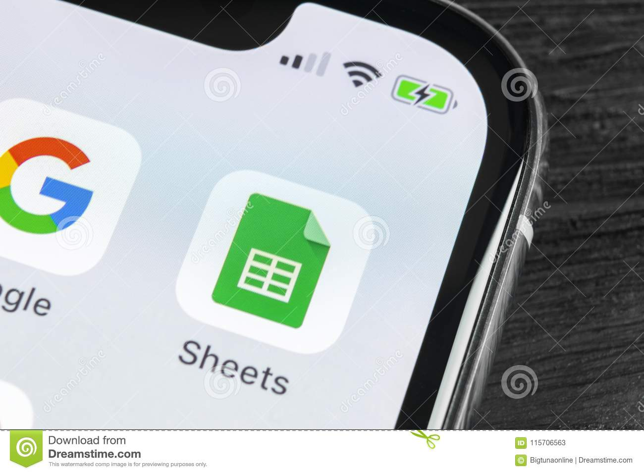 Google Sheets Icon On Apple IPhone X Smartphone Screen Close