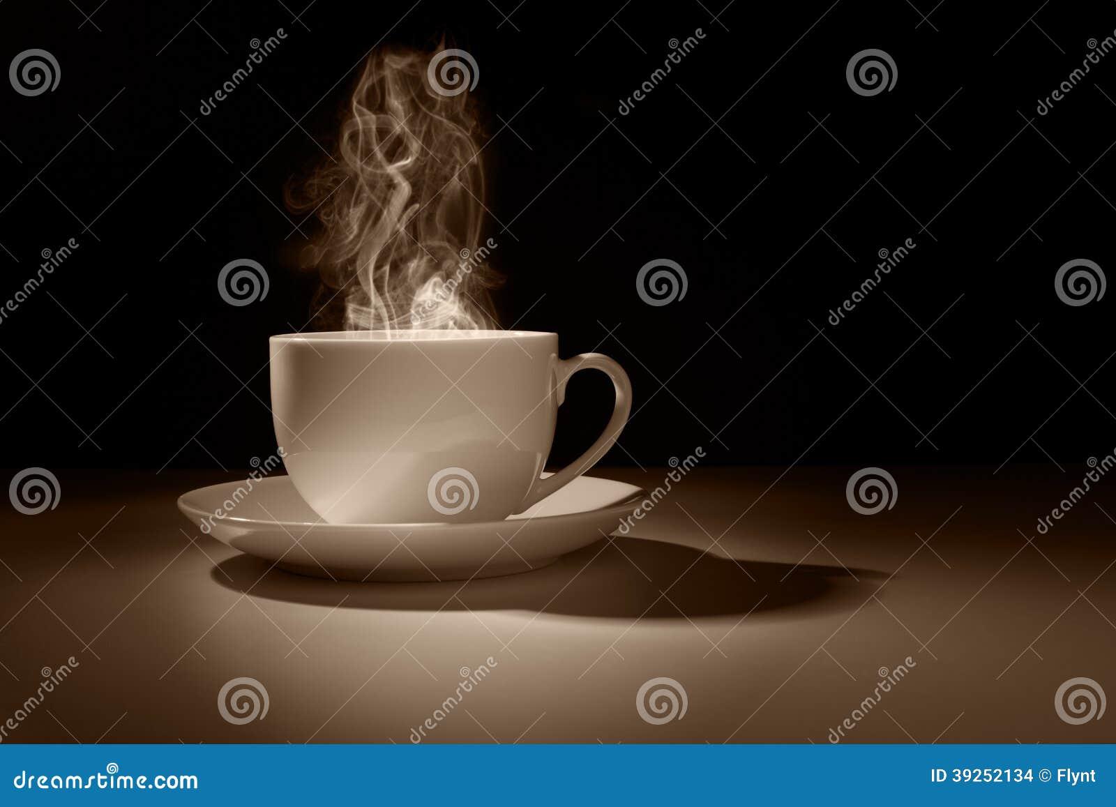 Gorąca filiżanka kawy lub herbata
