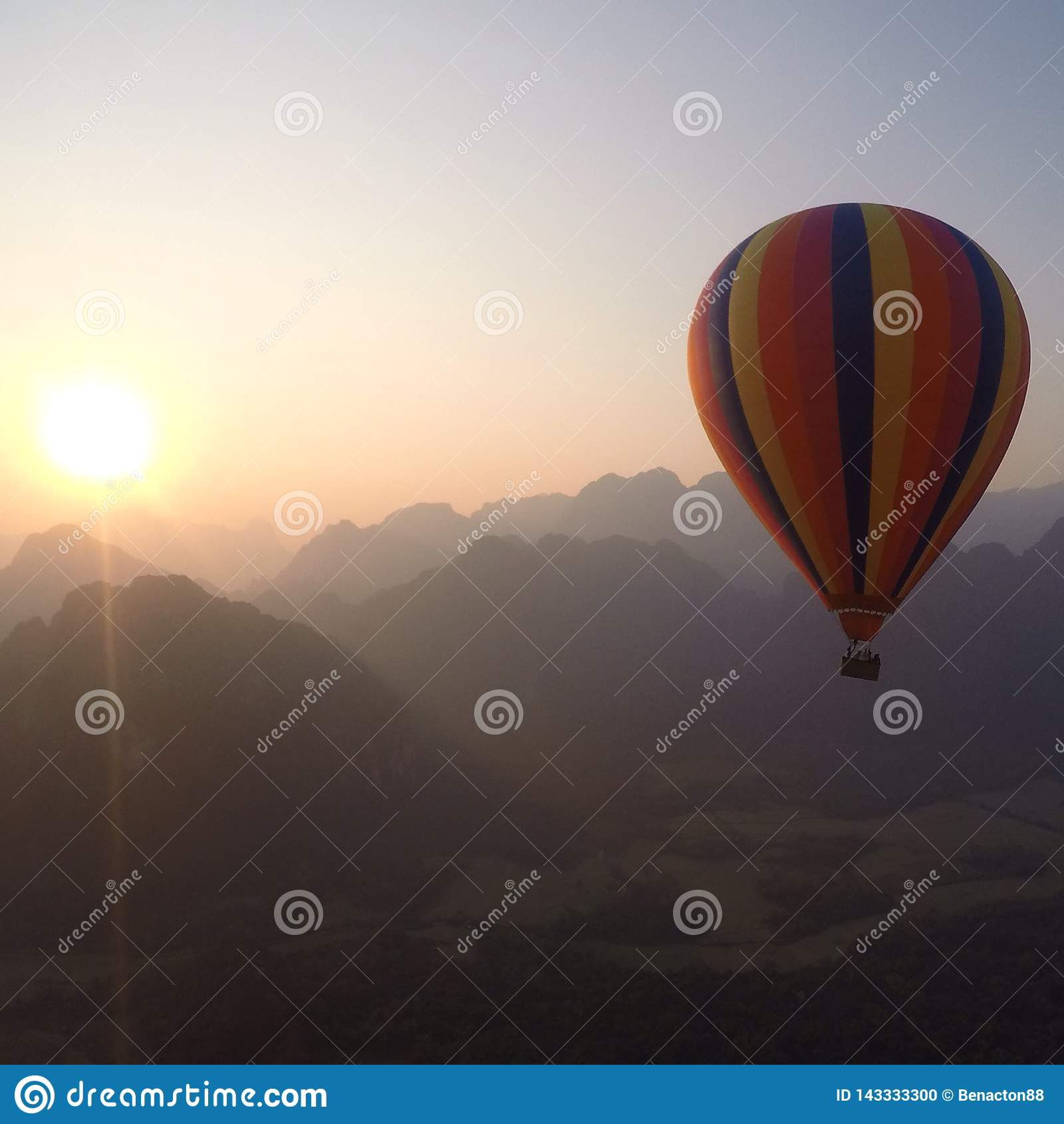 Gorące Powietrze balon w Laos
