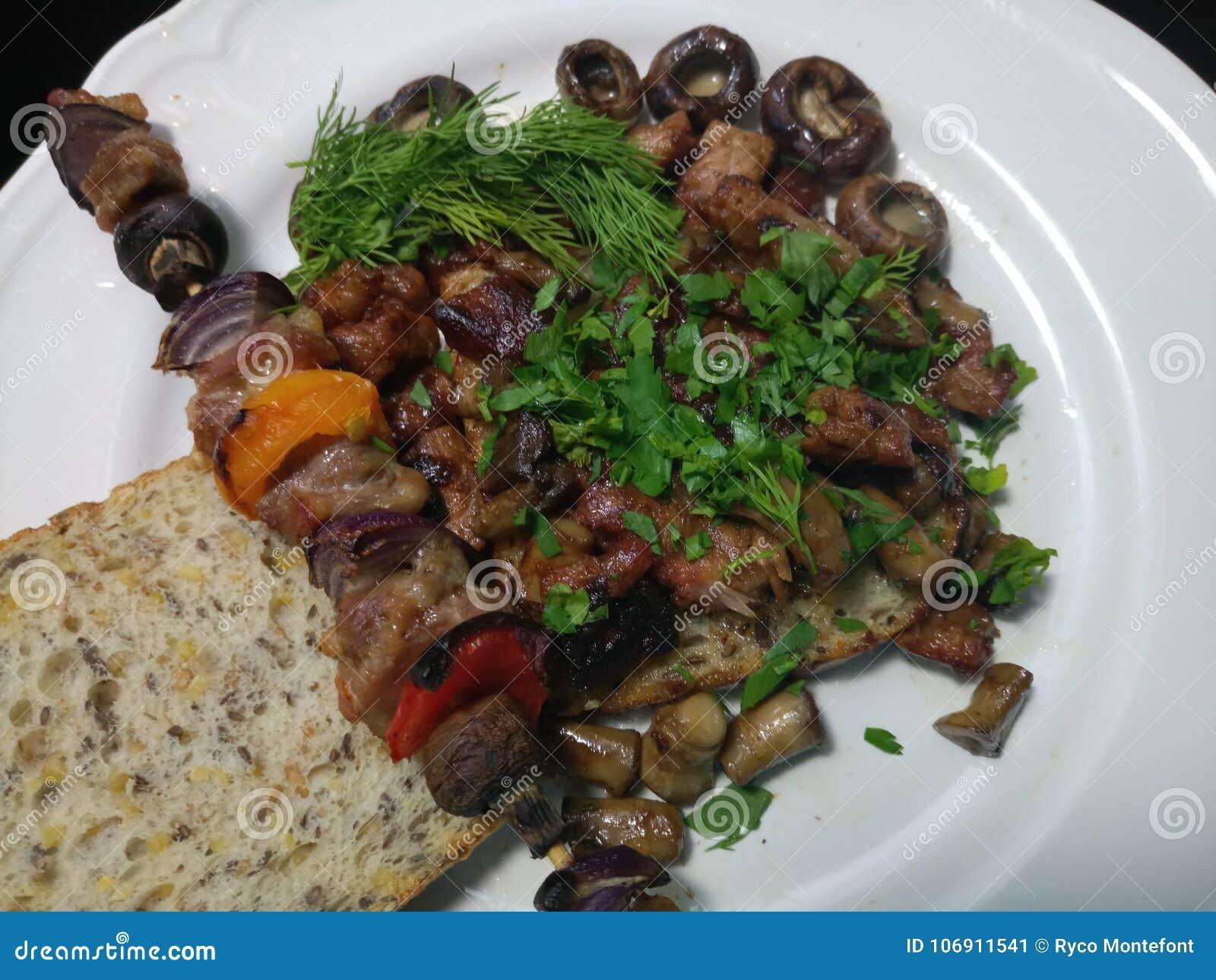 Gorący gotujący wieprzowina posiłek