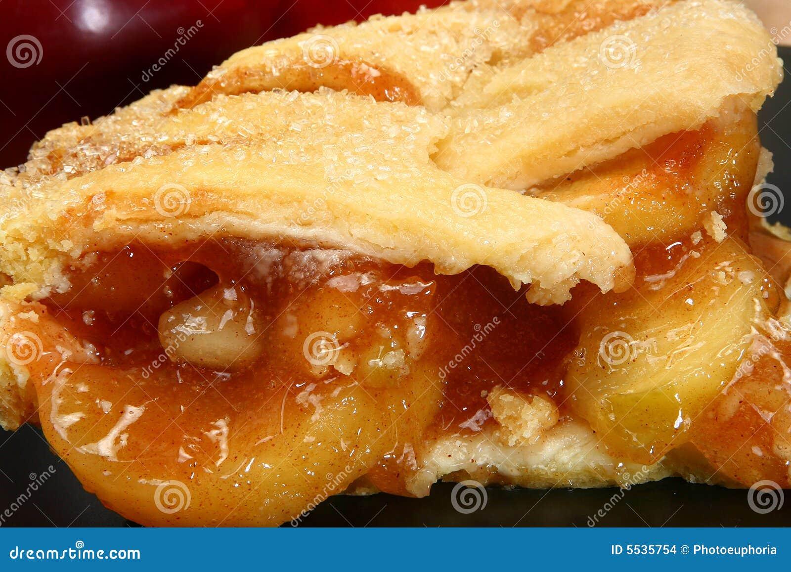 Gorący placek jabłkowy