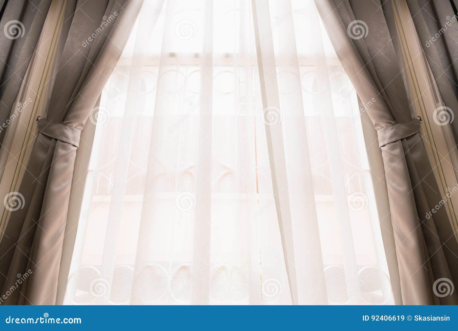 Gordijn op venster