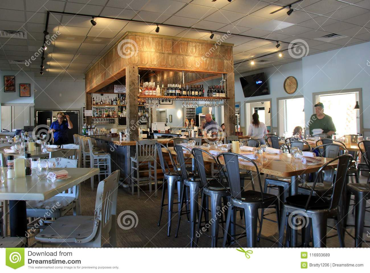 Gorgeous Bar And Dining Area With Tables In Fin Fork Restaurant Orange Beach