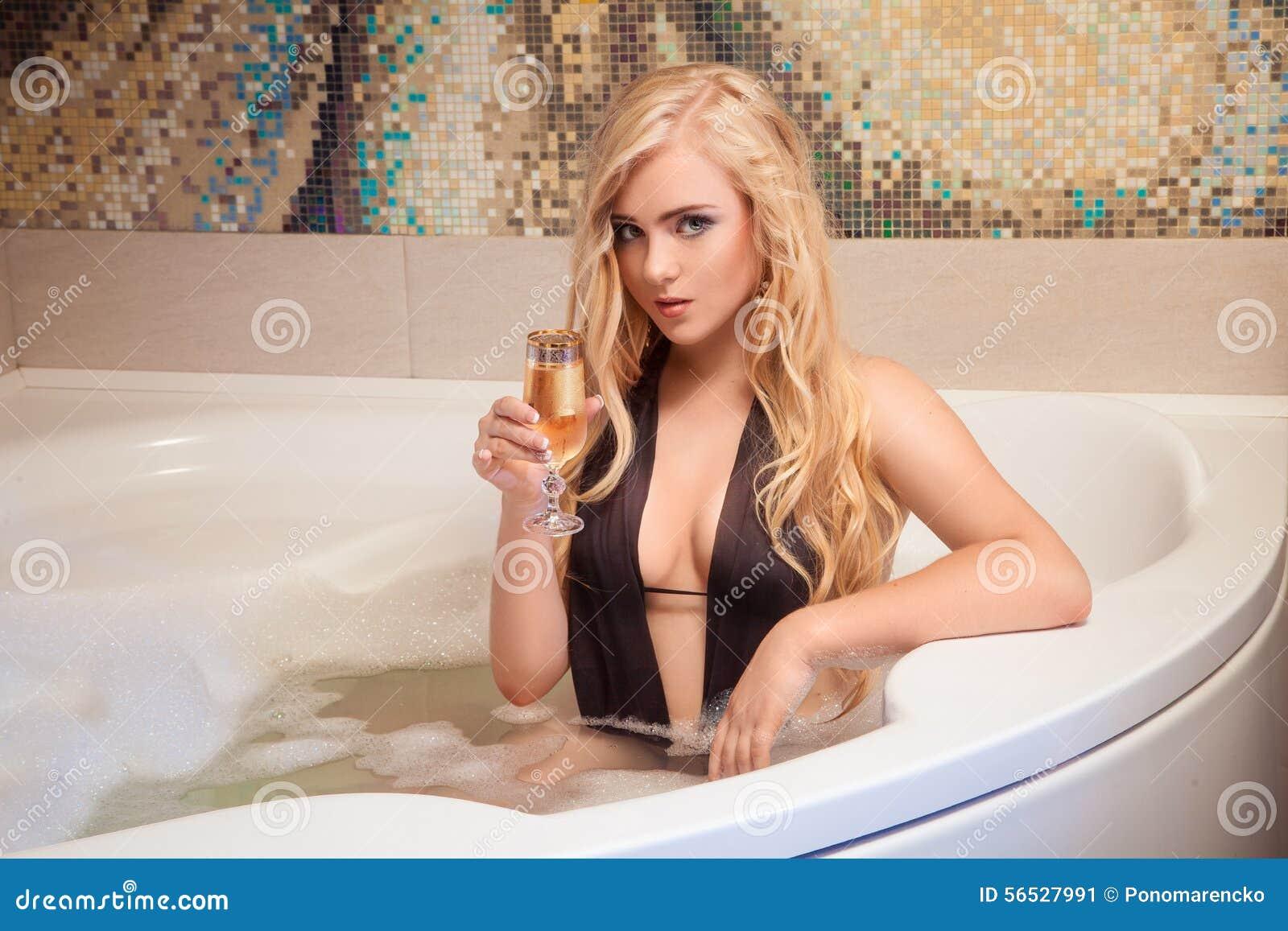 Blonde In Bath 113