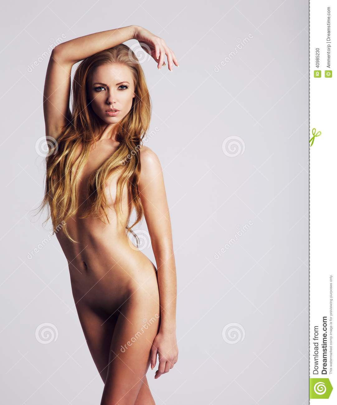 Model backdrops Nude